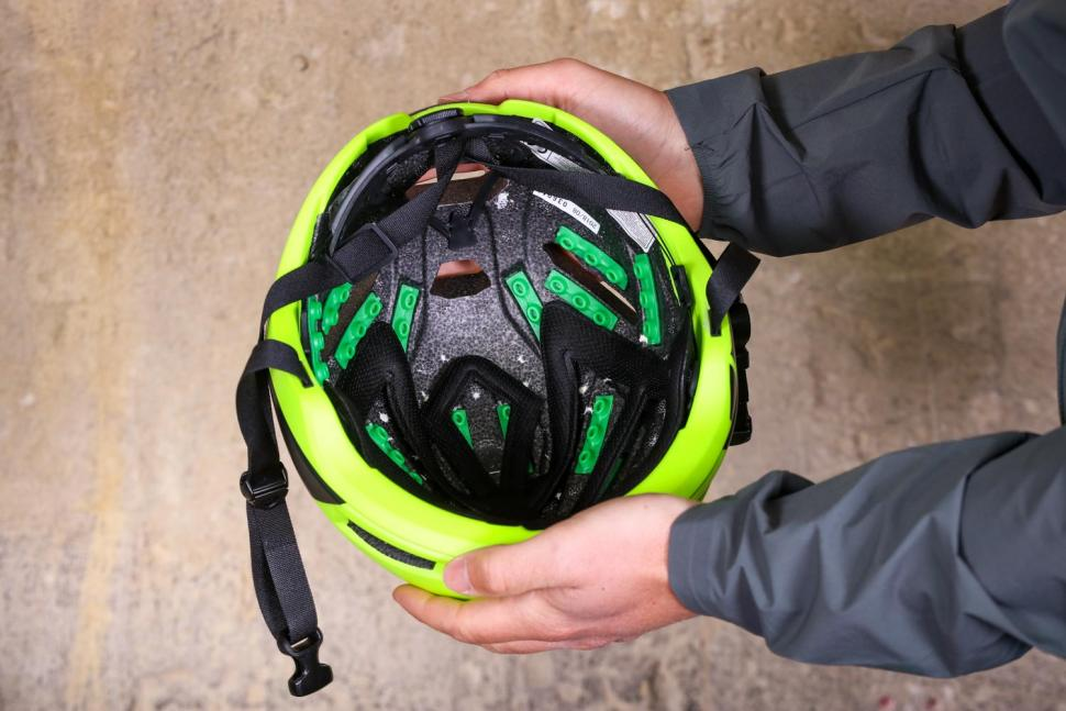 Kali Tava Flow helmet - inside.jpg