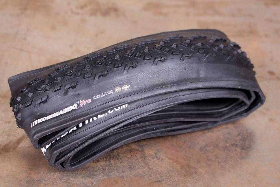 Kenda Kommandox Pro Tubeless Ready Tyre.jpg