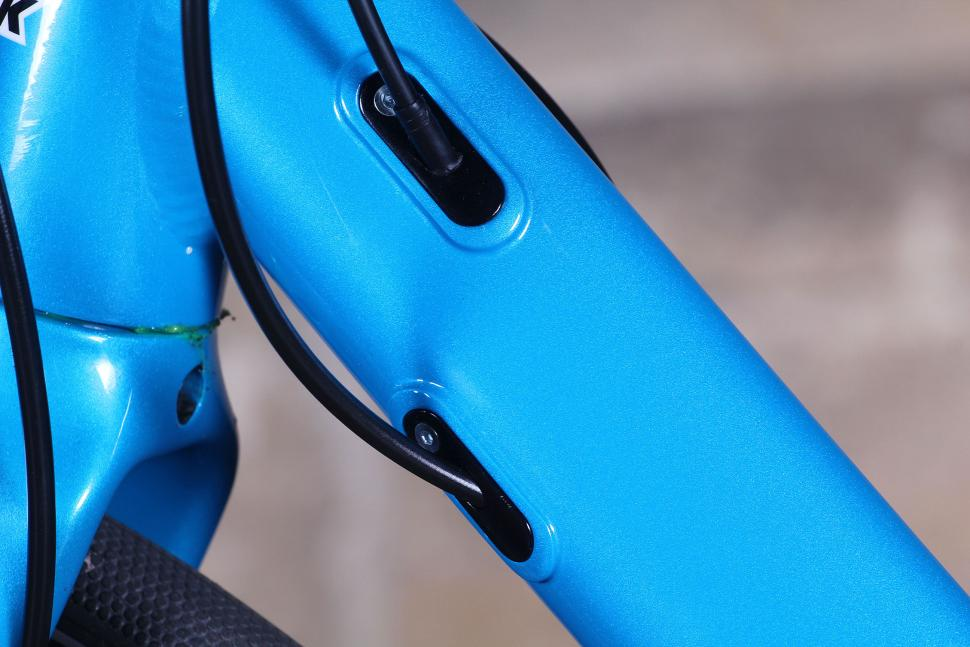 Kinesis 4S Disc - cables 2.jpg