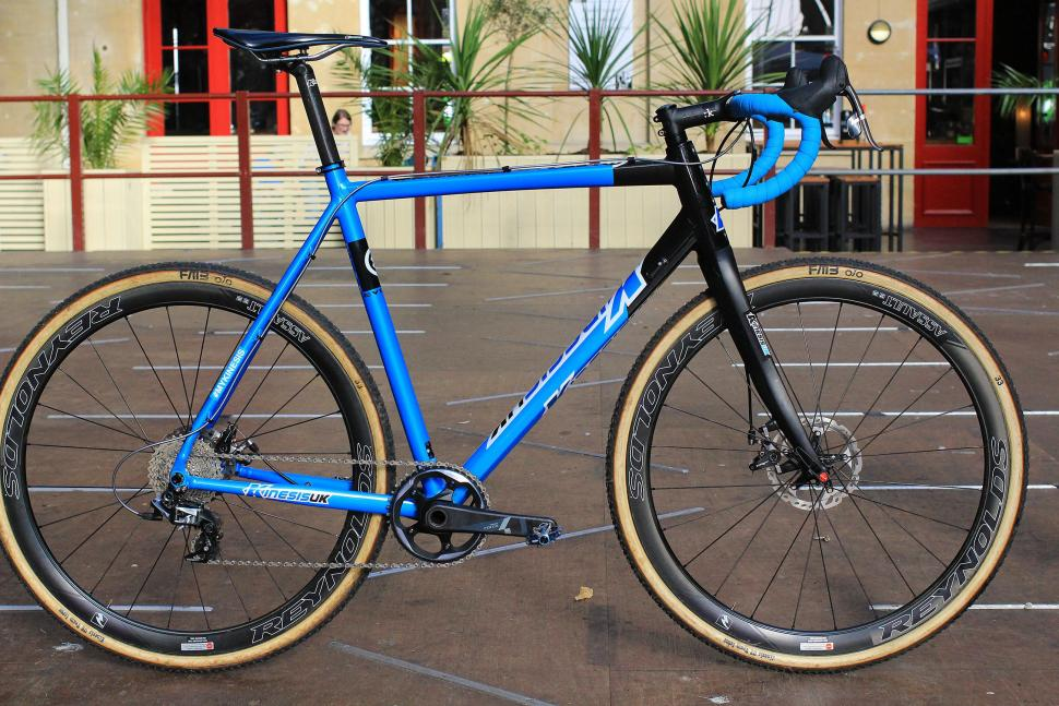 First look: Updated Kinesis CXRace Evo cyclocross frame with thru ...