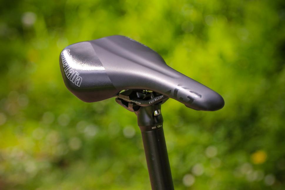 Kinesis G2 - saddle.jpg