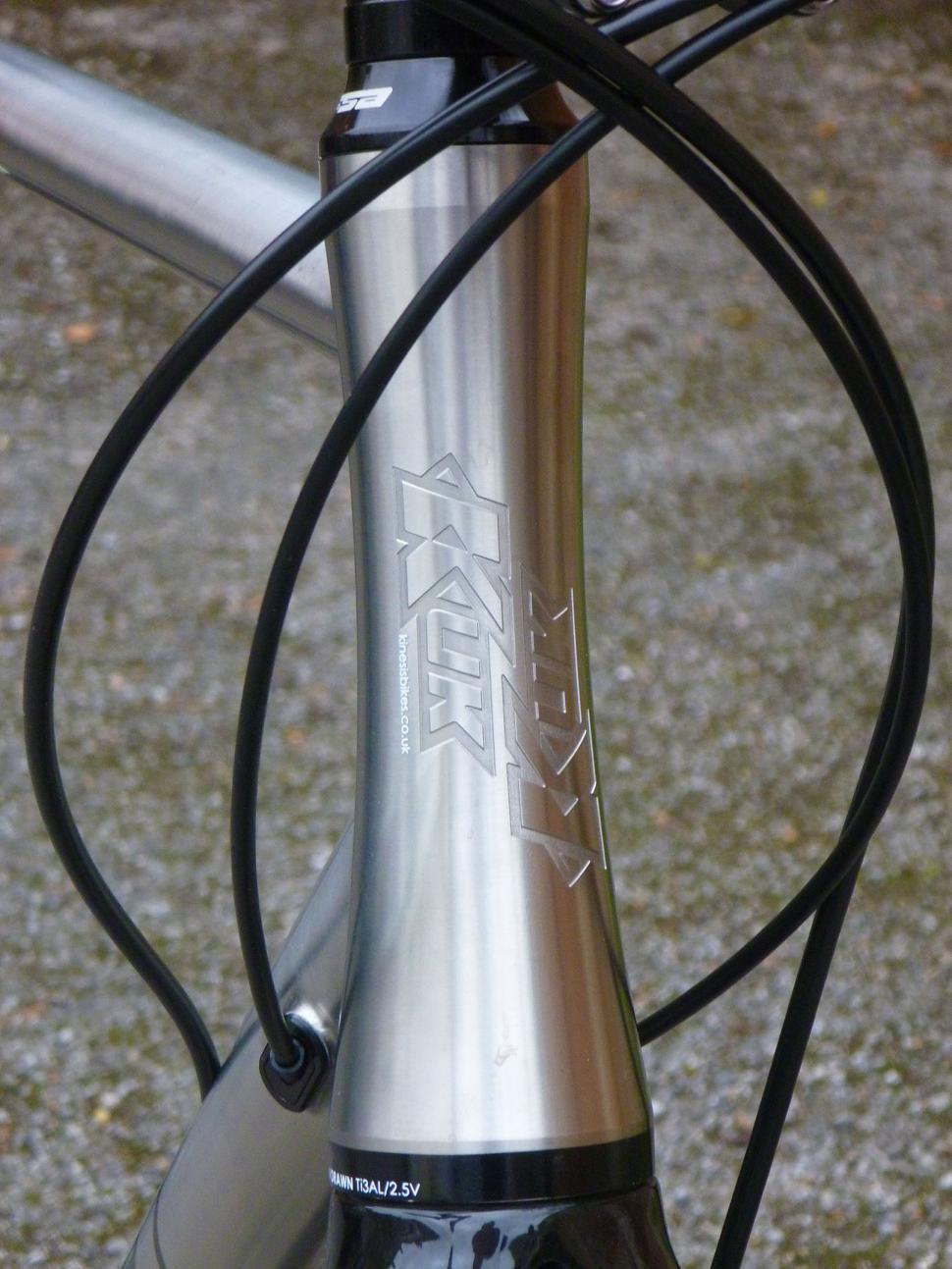 Kinesis GF_Ti Disc - head tube.jpg
