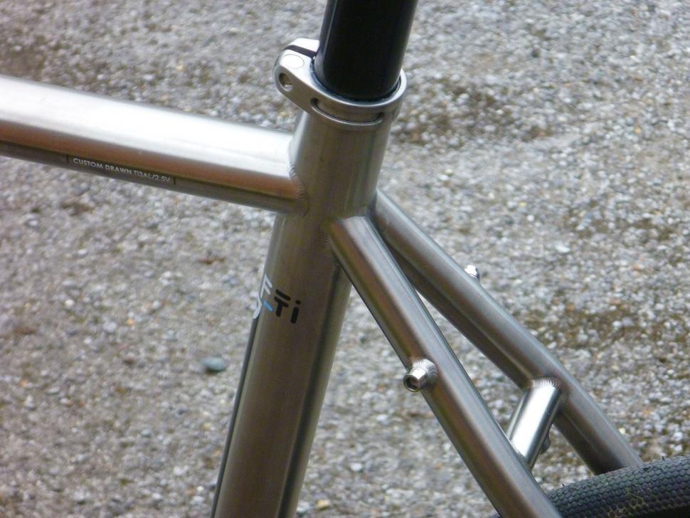 Kinesis GF_Ti Disc - seat tube junction 2.jpg