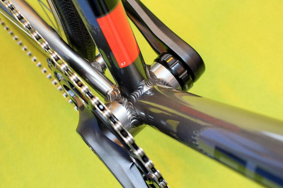 Kinesis Racelight T3 - bottom bracket.jpg