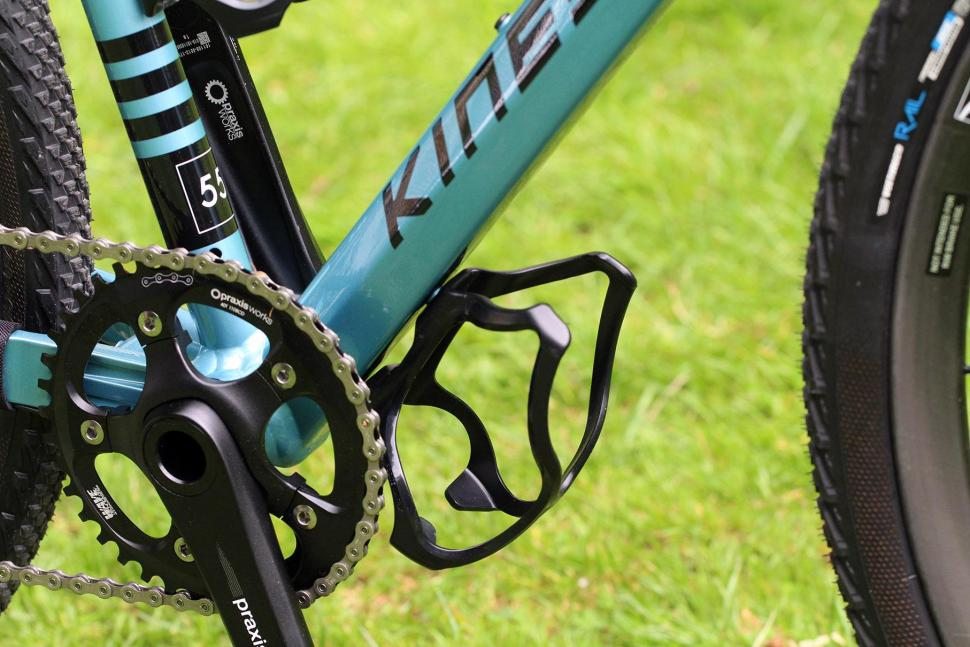 Kinesis Tripster AT - bottle cage.jpg