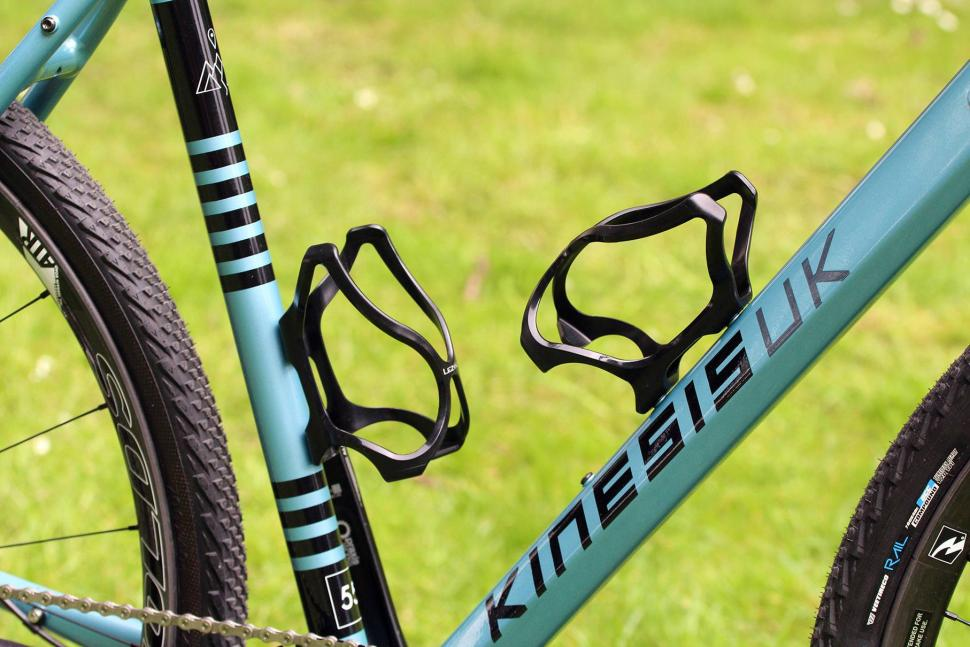 Kinesis Tripster AT - bottle cages.jpg