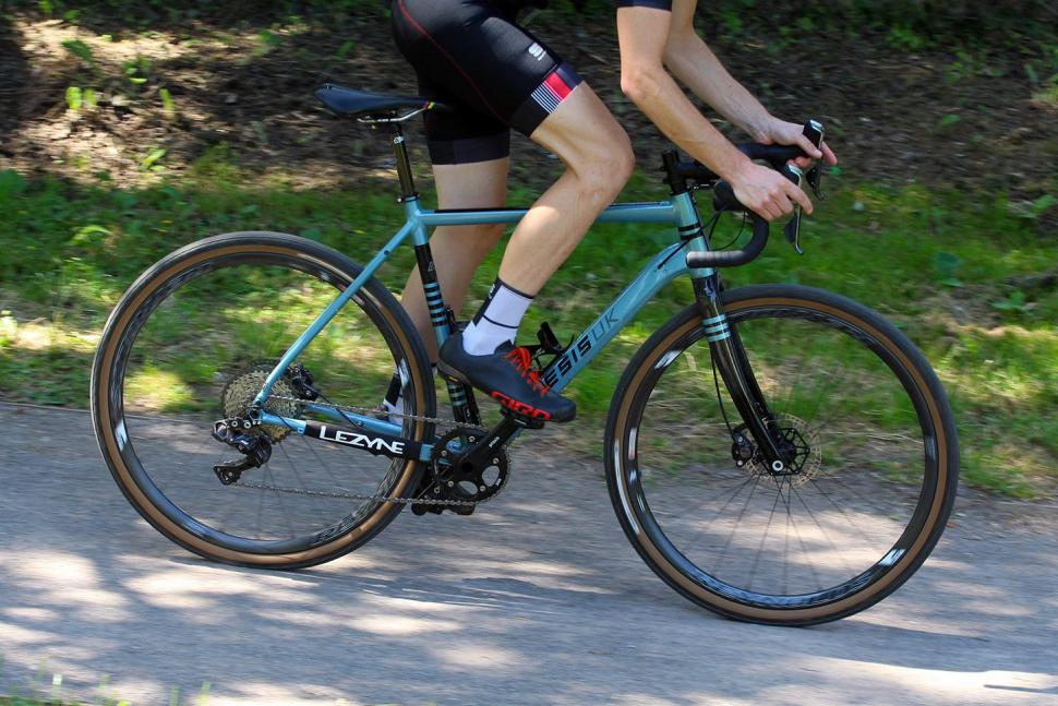 Kinesis Tripster AT - riding 3.jpg