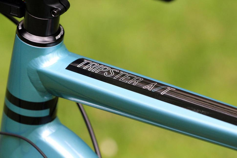 Kinesis Tripster AT - top tube detail.jpg