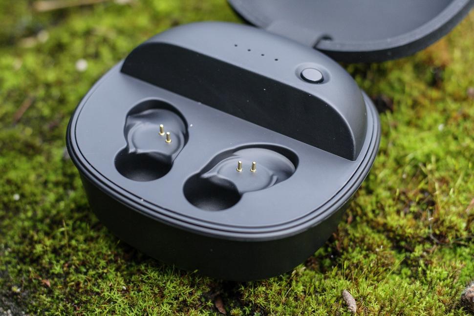 Kitsound District earphones -5.jpg