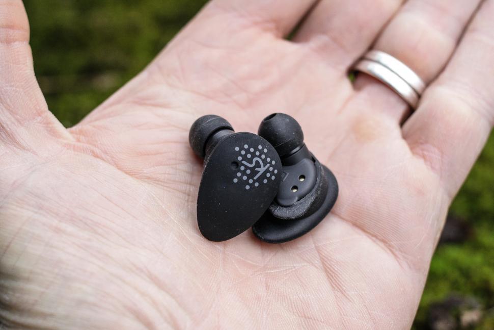 Kitsound District earphones -7.jpg