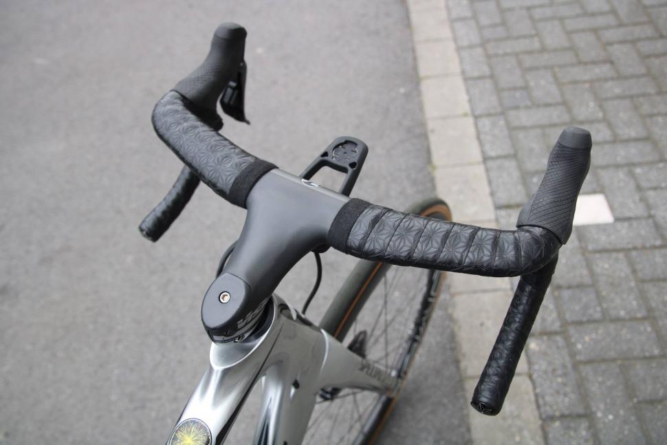 UD Carbon Road Bike Drop Bar-Aero Handlebar-integrated cable routing Fit Shimano