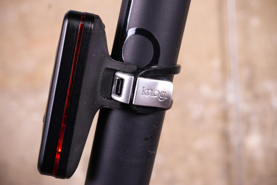 Knog Blinder Road R70 Rear Light - side and clip.jpg
