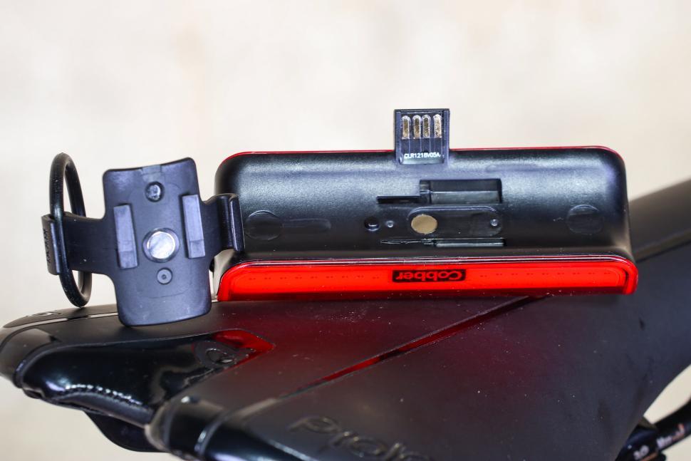 Knog Cobber Big Rear Light - USB charging port and mount.jpg