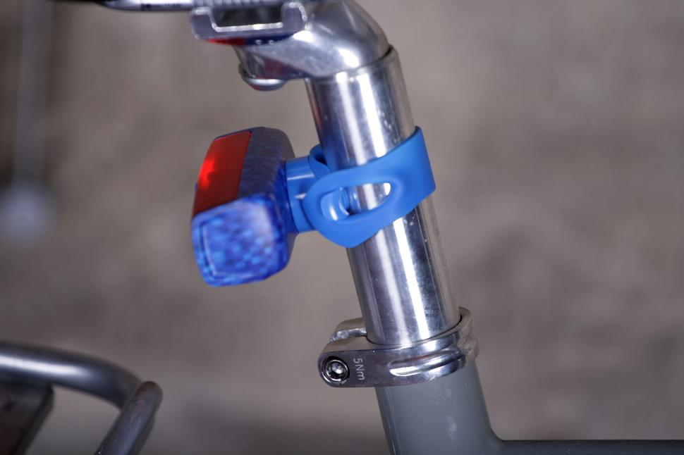 Knog Pop Duo Front and Rear Lights - rear mount.jpg