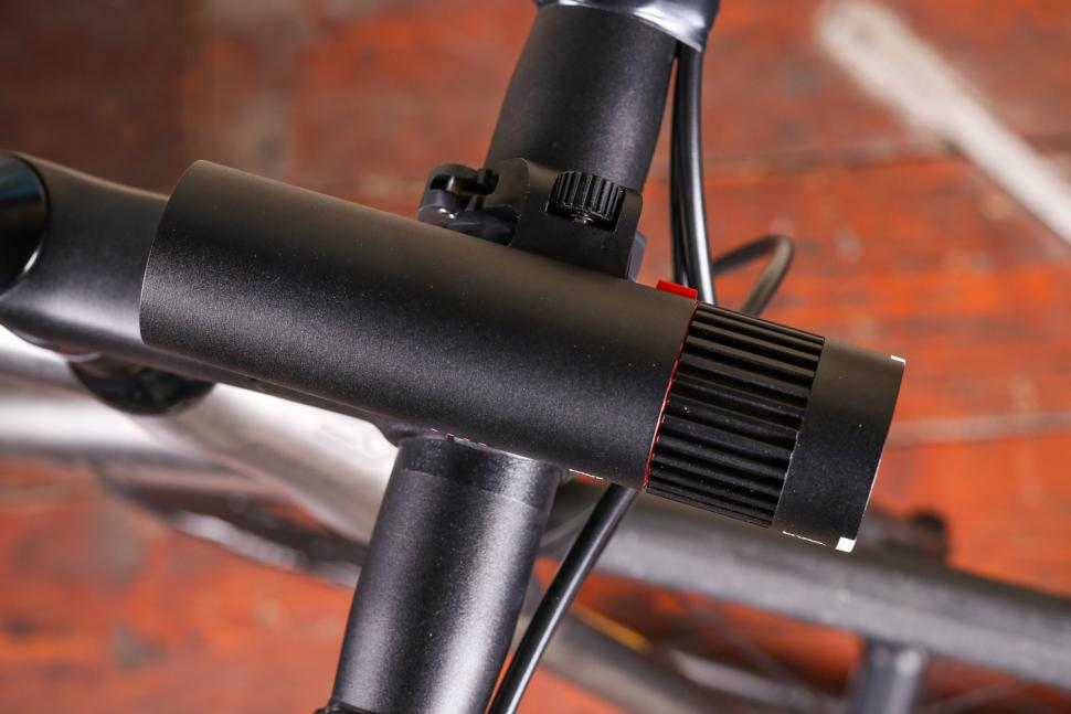 Knog PWR Trail Front Light - top.jpg