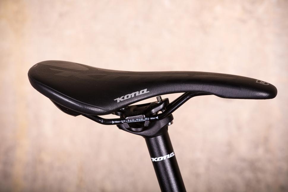 Kona Rove DL - saddle.jpg