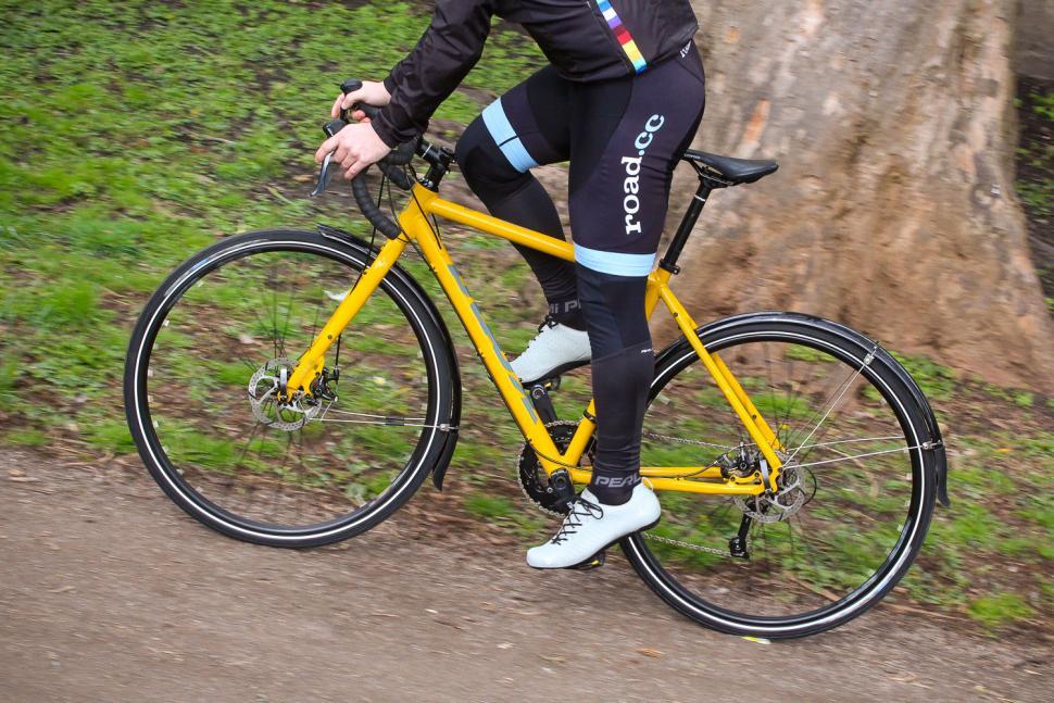 kona_rove_dl_-_riding_4.jpg