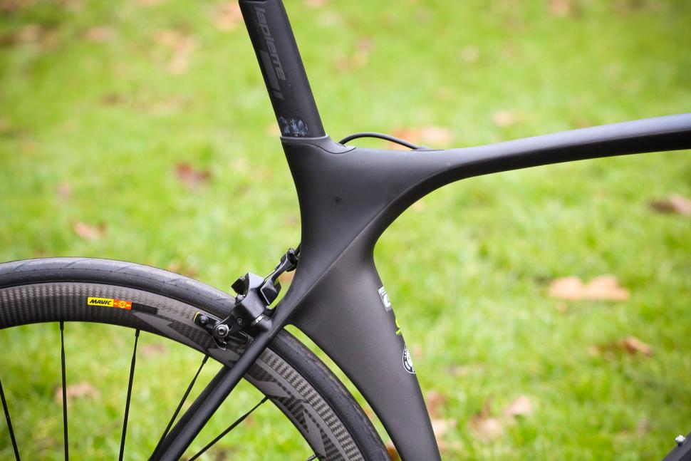 Lapierre Aircode SL 900 Ultimate - seat tube junction.jpg