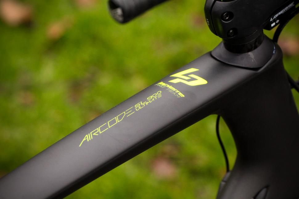 Lapierre Aircode SL 900 Ultimate - top tube.jpg