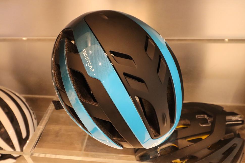 Lazer Century helmet-4