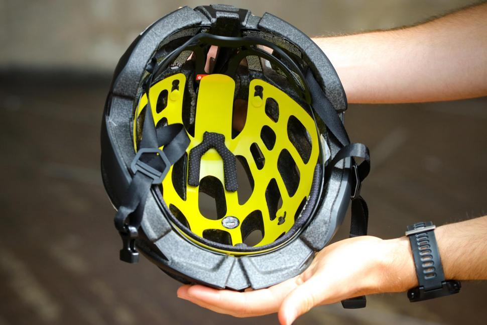 Lazer Z1 MIPS Helmet - inside.jpg