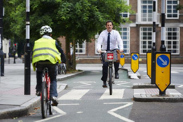 LB Camden protected cycle lane at Gordon Square (picture copyright Britishcycling.org.uk).jpg