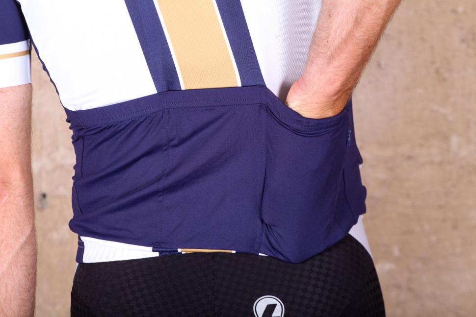 le_col_wiggins_limited_edition_pro_gold_stripe_jersey_-_pockets.jpg