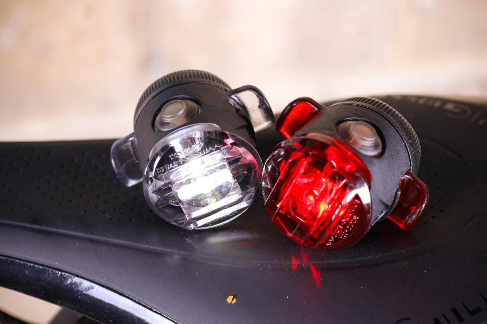 NEW Lezyne FEMTO USB DRIVE PAIR LED Bicycle Front /& Rear Light Set BLACK