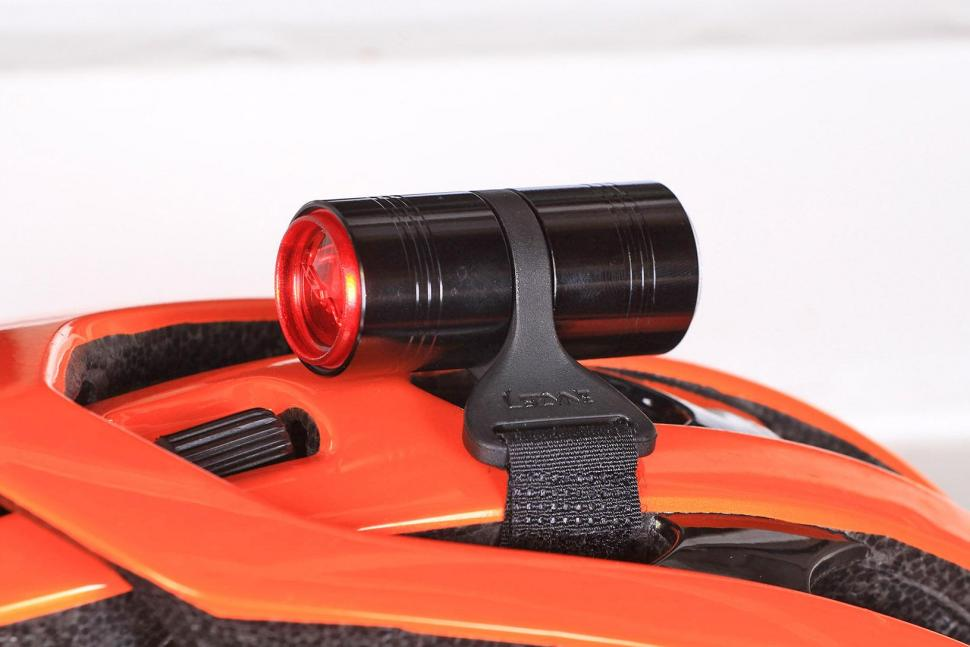 1-LED-1D-V104 Lezyne Femto Drive Duo LED 15//7 Helmet Mount Light