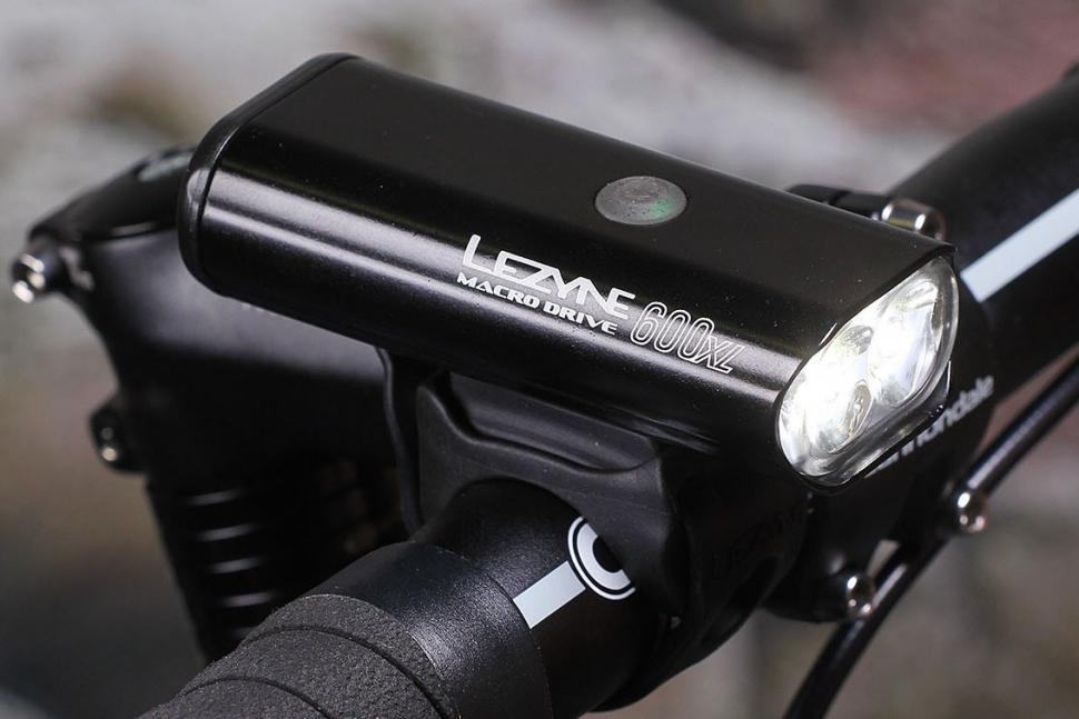 lezyne-macro-drive-600xl-mounted.jpg