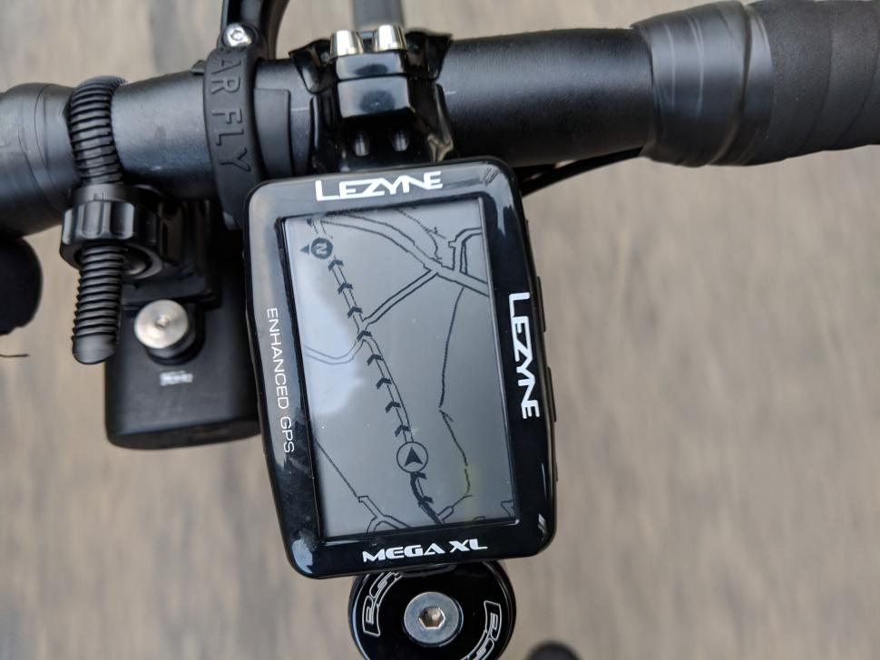 Lezyne-Mega-XL-routing-on-unit.jpg