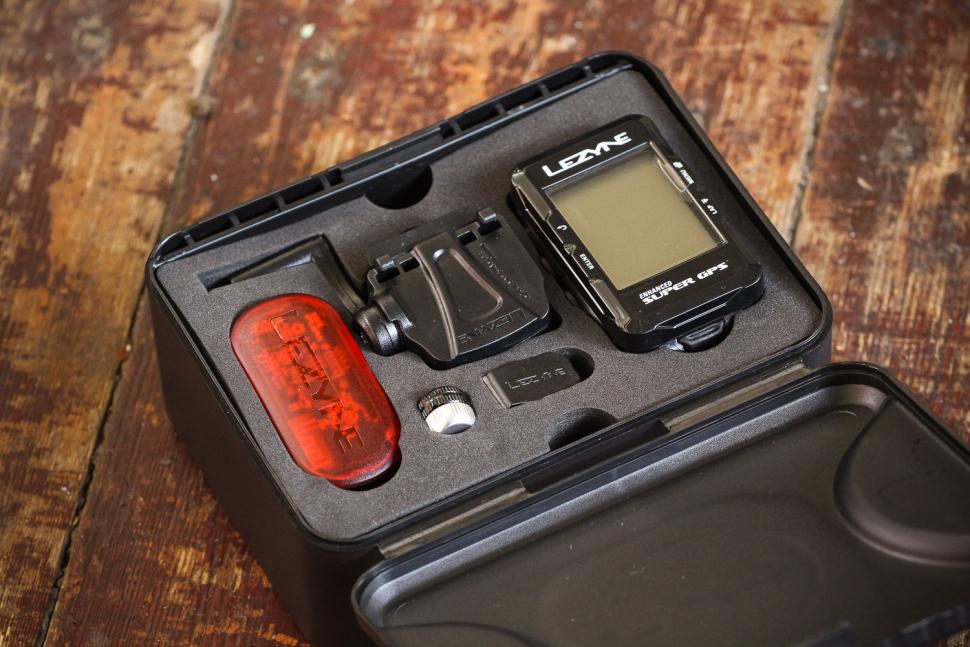 Lezyne Super Navigate GPS Loaded Bundle - boxed.jpg