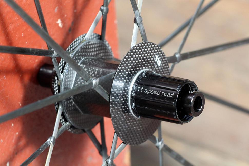 Lightweight Meilenstein Carbon Clincher Disc - rear hub.jpg