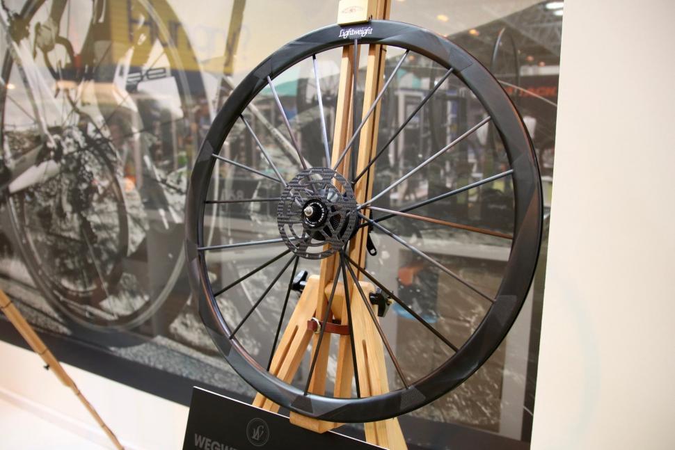 Lightweight wheels - 1.jpg