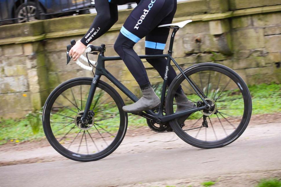 lightweight_urgestalt_-_riding_4.jpg