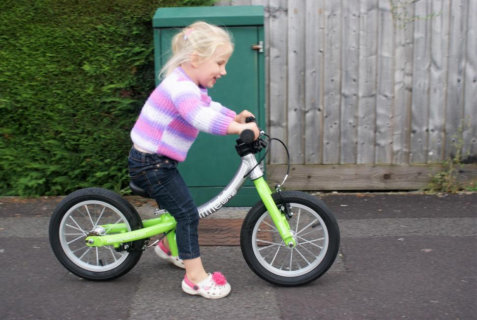 LittleBig Bike Isla Riding 1.jpg