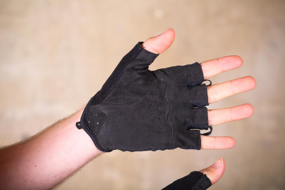 lizard_skins_aramus_elite_mitts_-_palm.jpg