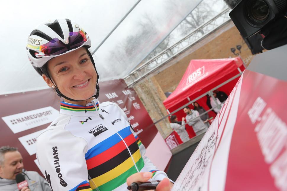 Lizzie Armitstead ahead of Strade Bianche (ANSA, PERI - CARCONI).jpg
