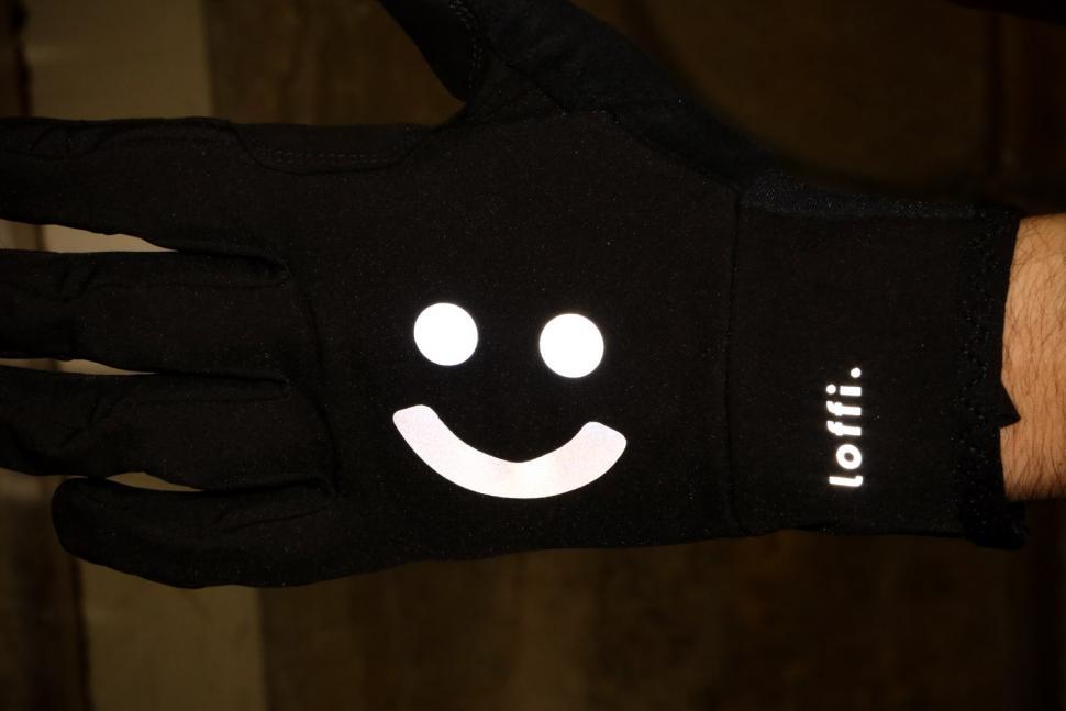 Loffi Glove - reflective.jpg