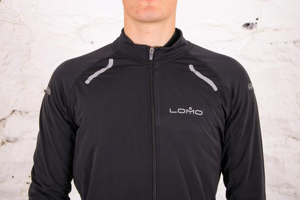 Lomo Winter Thermal Cycling Top - chest.jpg