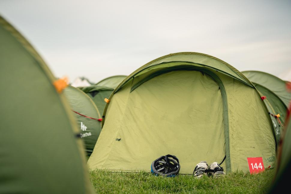 londonrev_cosy_tent.jpg