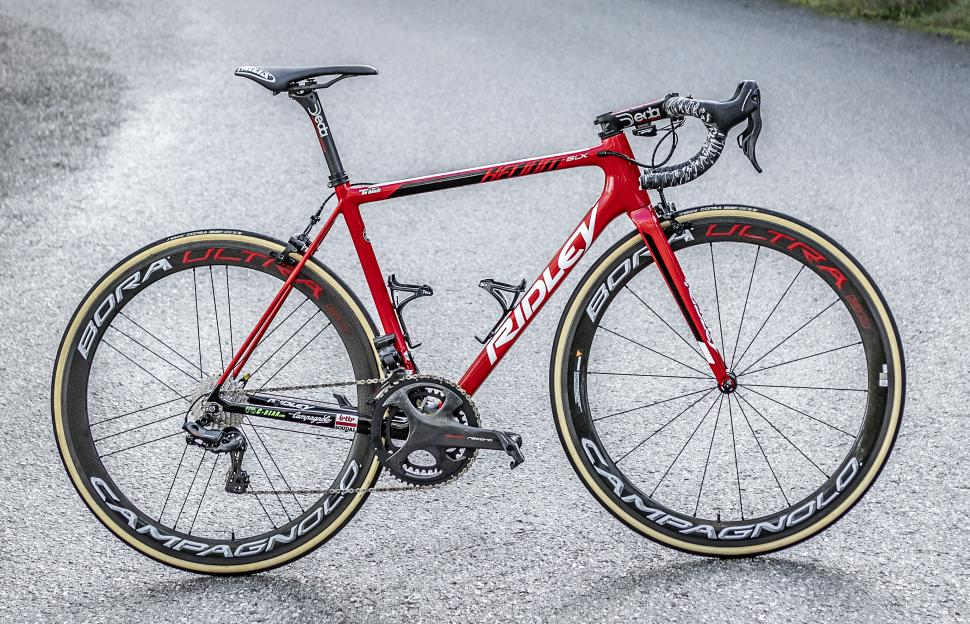 lotto soudal 2019 team bikes6.jpg