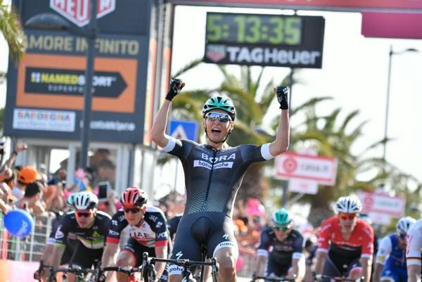 Lukas Postlberger wins Giro d'Italia 2017 Stage 1 (picture credit LaPresse - D'Alberto - Ferrari).jpg