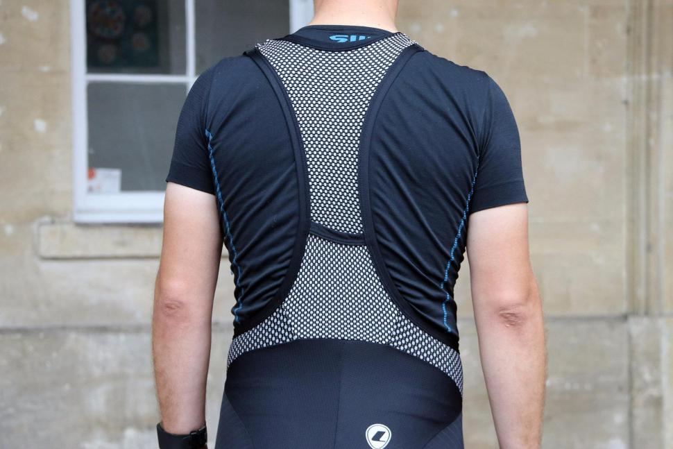 Lusso Active Aero Bib Shorts - straps back.jpg