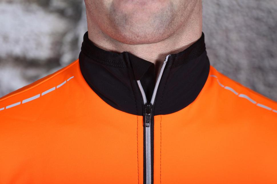 Lusso Aqua Extreme Repel Jacket - collar.jpg