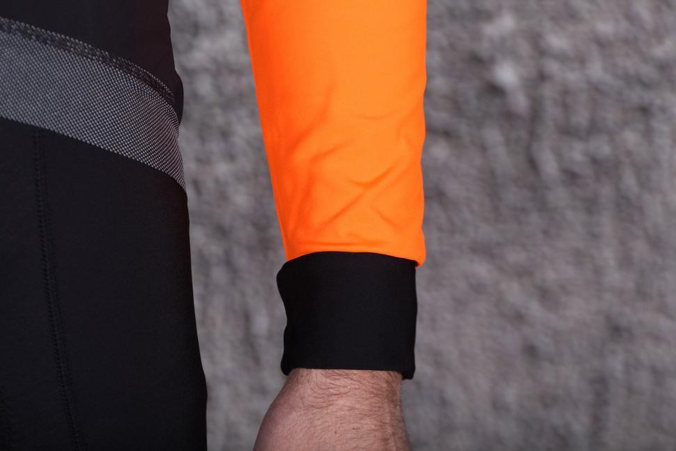 Lusso Aqua Extreme Repel Jacket - cuff.jpg
