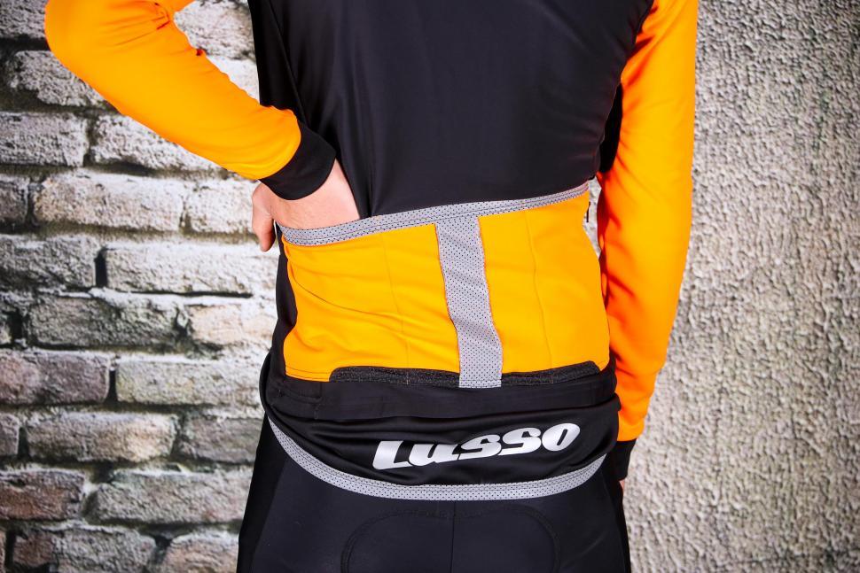 Lusso Aqua Pro Extreme Jacket - pockets.jpg