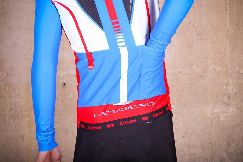 Lusso Leggero Thermal Jacket - pocket.jpg
