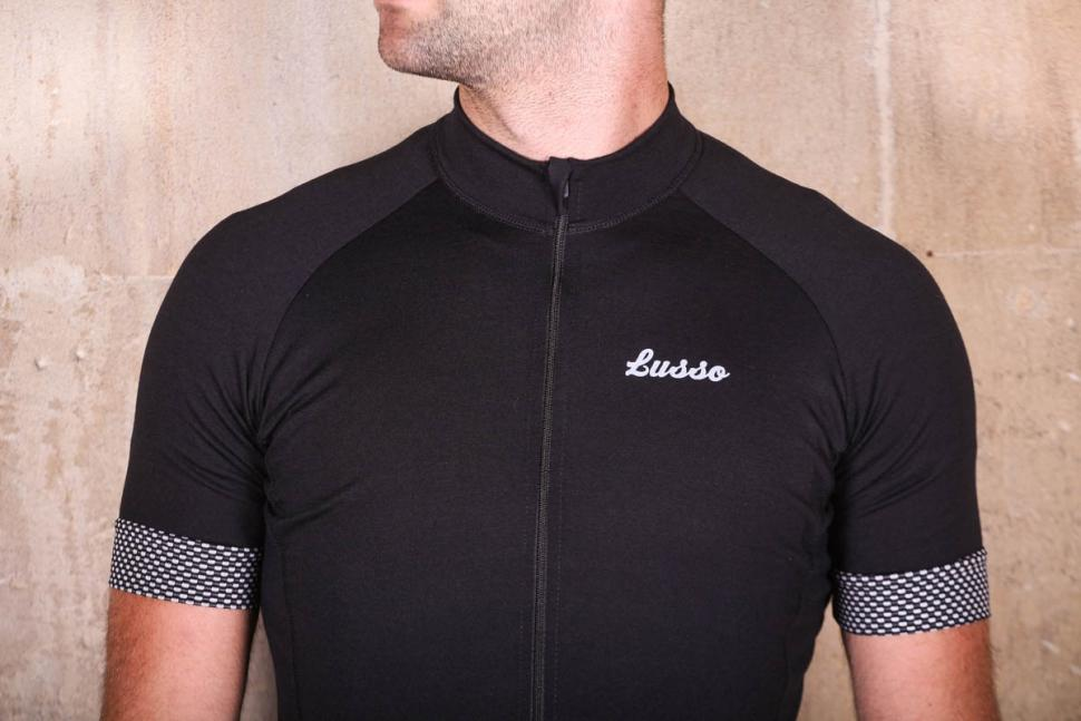 Lusso Merino short sleeve jersey - chest.jpg