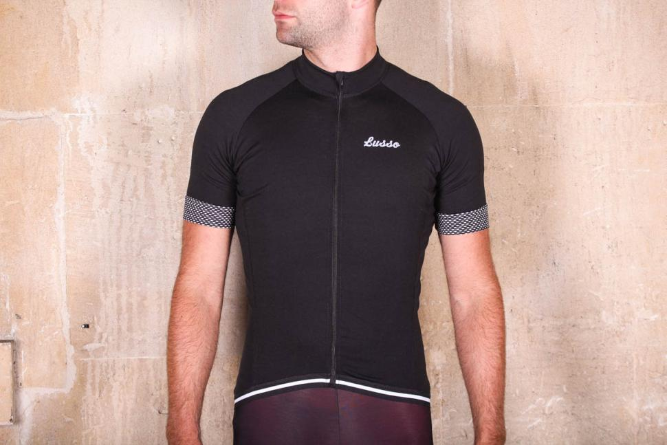 Review  Lusso Merino Short Sleeve Jersey  d3f0f2f84